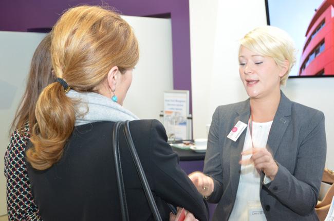 Много фирми се възползваха от възможността да участват със собствени щандове пред залата и се радваха на интереса на посетителите
